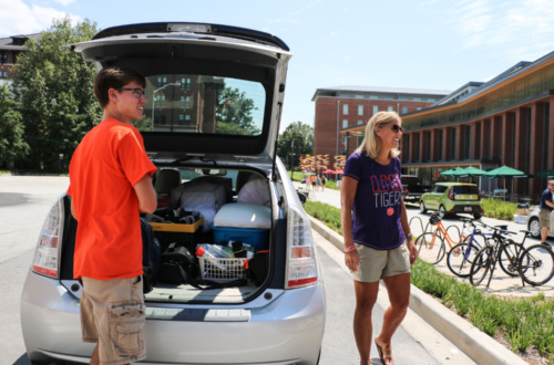 Phillip Storie, a freshman, and his mother Andrea during Move-In Weekend.